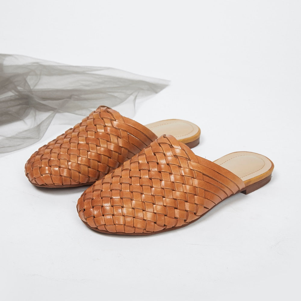 summer new wave leather hand-woven vintage baotou word flat flat bottom outdoor sandals and slippers