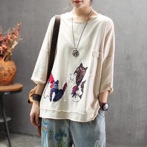Women Summer Retro Embroidered Loose T-shirt Tees Shirts Ladies Cartoon Cat Tops Female Ripped Holes Tees Shirt