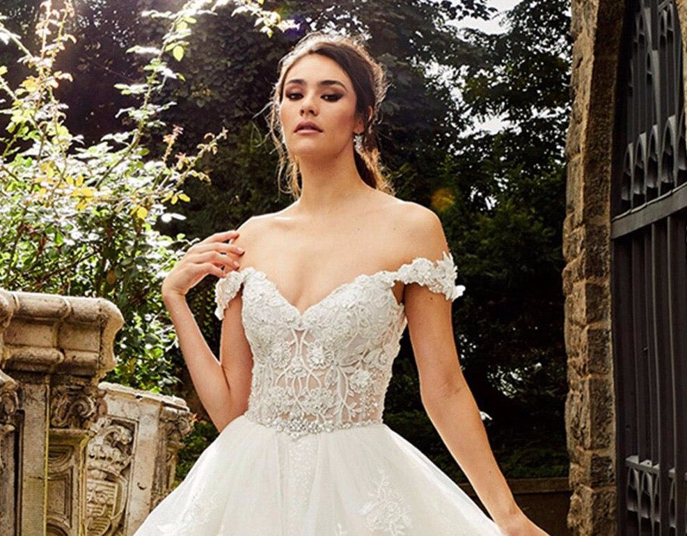 Beaded Crystal Shiny Princess Ball Gown Wedding Dress Robe De Mariee Boheme Short Sleeve See Through Illusion Bridal Dresses