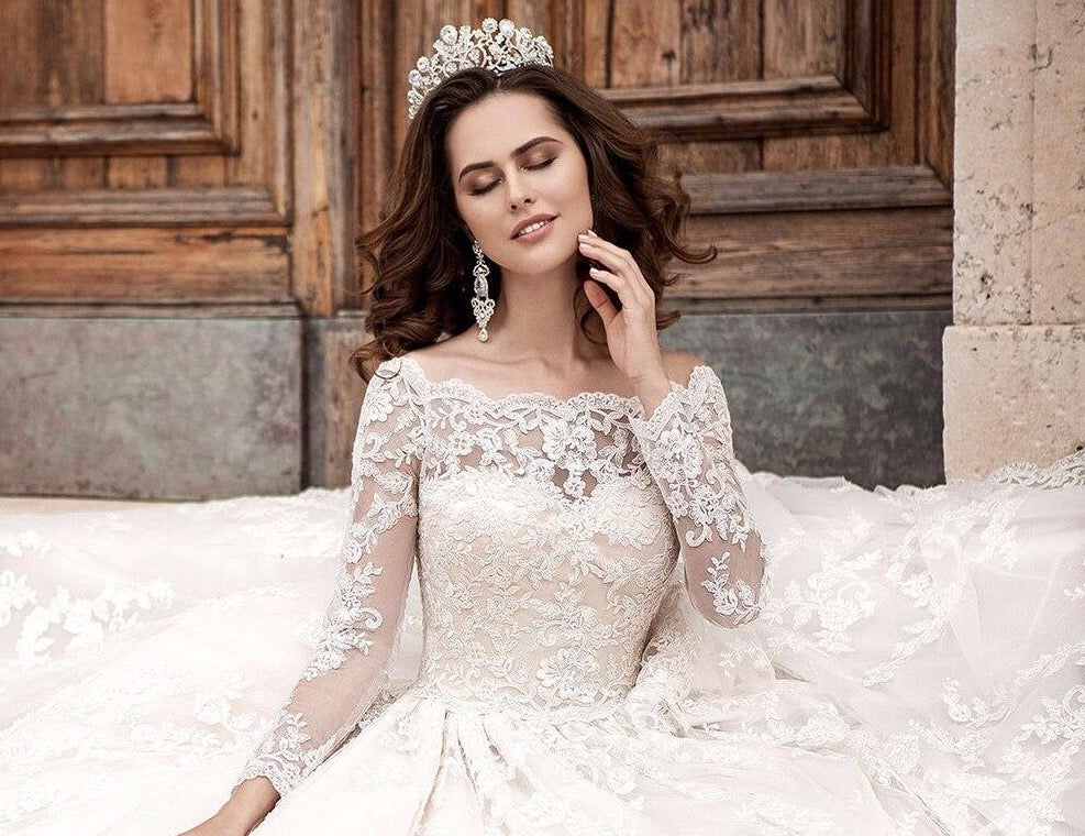 Custom Made All Over Appliques Wedding Dresses Long Sleeve Vestido Blanco Beading Crystal Belt Princess Wedding Gowns Bodas