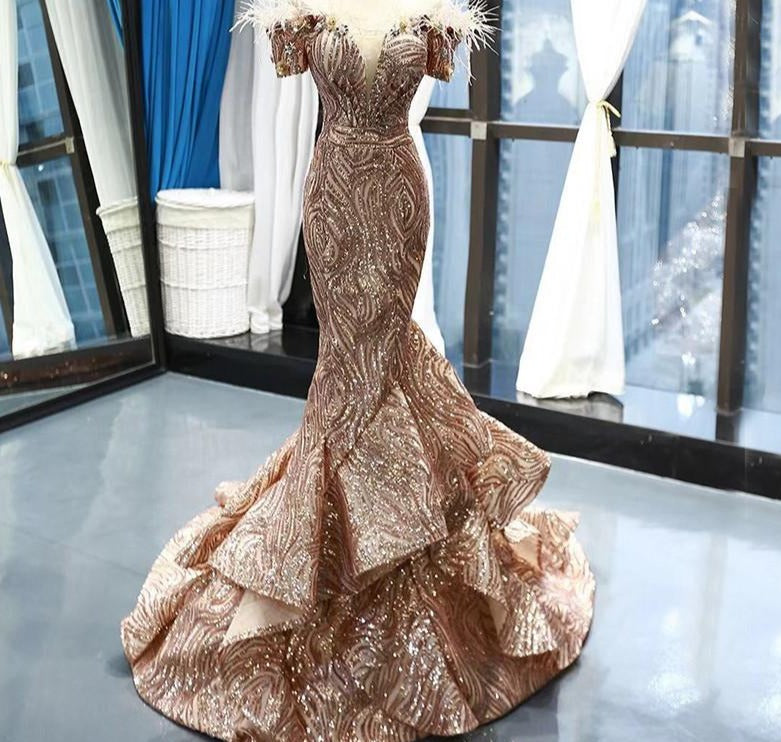Dubai Late  Gold Short Sleeves Wedding Dresses 2020 Luxury Sequined Feathers Bridal Gowns