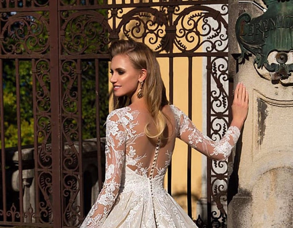 Long Sleeve Appliques Lace A-line Wedding Dresses Vestido Branco Buttons Up Back Floor Length Princess Wedding Gowns Bodas - LiveTrendsX