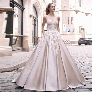 Appliques Satin A-line Wedding Dresses Vestido De Novia Sencillo Sweetheart Neck Lace Up Simple Bridal Gowns Bodas