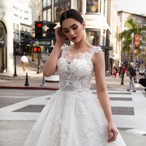 New Arrivals Beaded Crystal Lace Flowers Princess Wedding Dress Robe De Mariee See Through Illusion Bride Gown