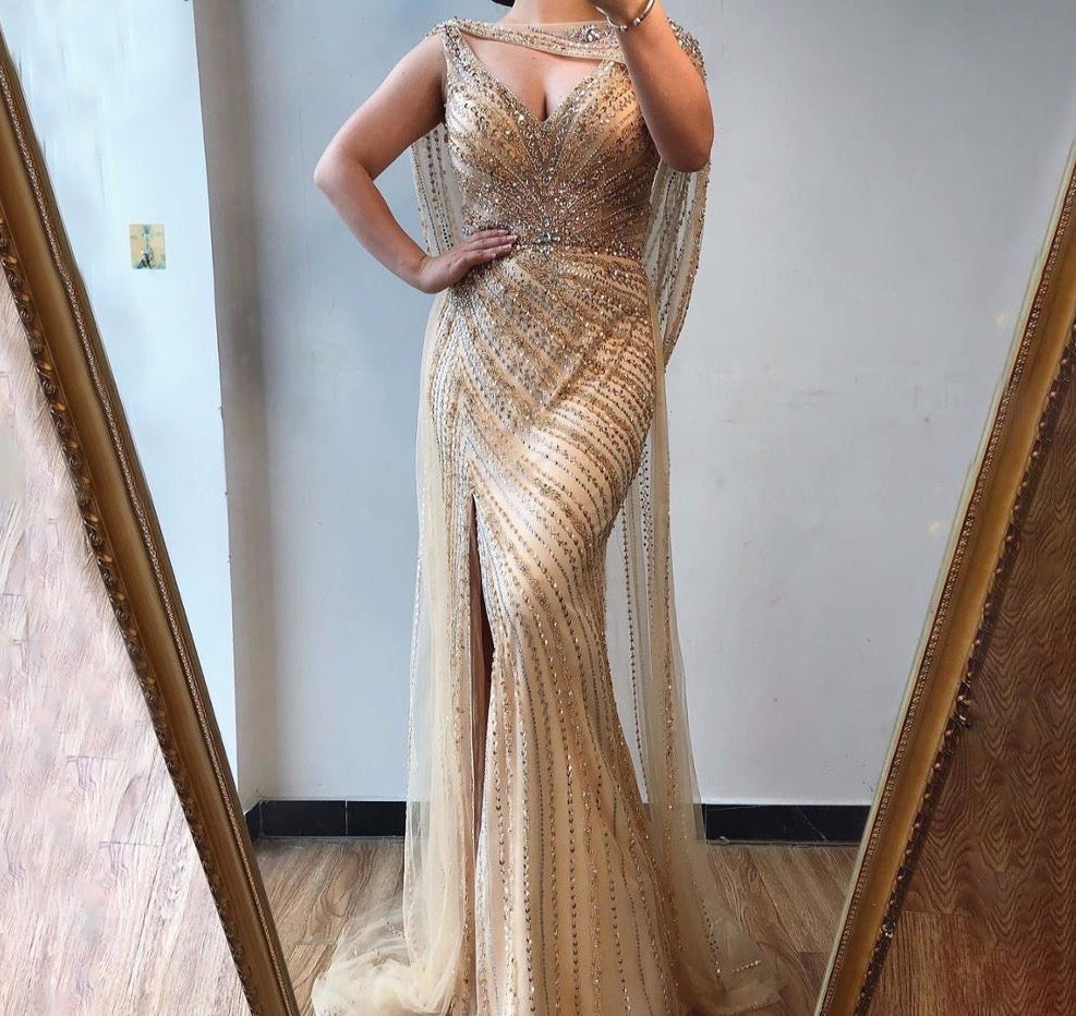 Sexy Champagne V-neck Luxury Evening Dress 2020 Diamond Beading Sleeveless Mermaid Formal Party Gown