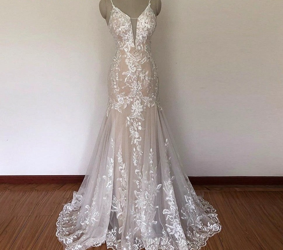 Romantic Lace Mermaid Wedding Dress 2020 Sexy Deep V Neck Lace Applique Beading Sequins Spaghetti Backless Long Bridal Gown - LiveTrendsX