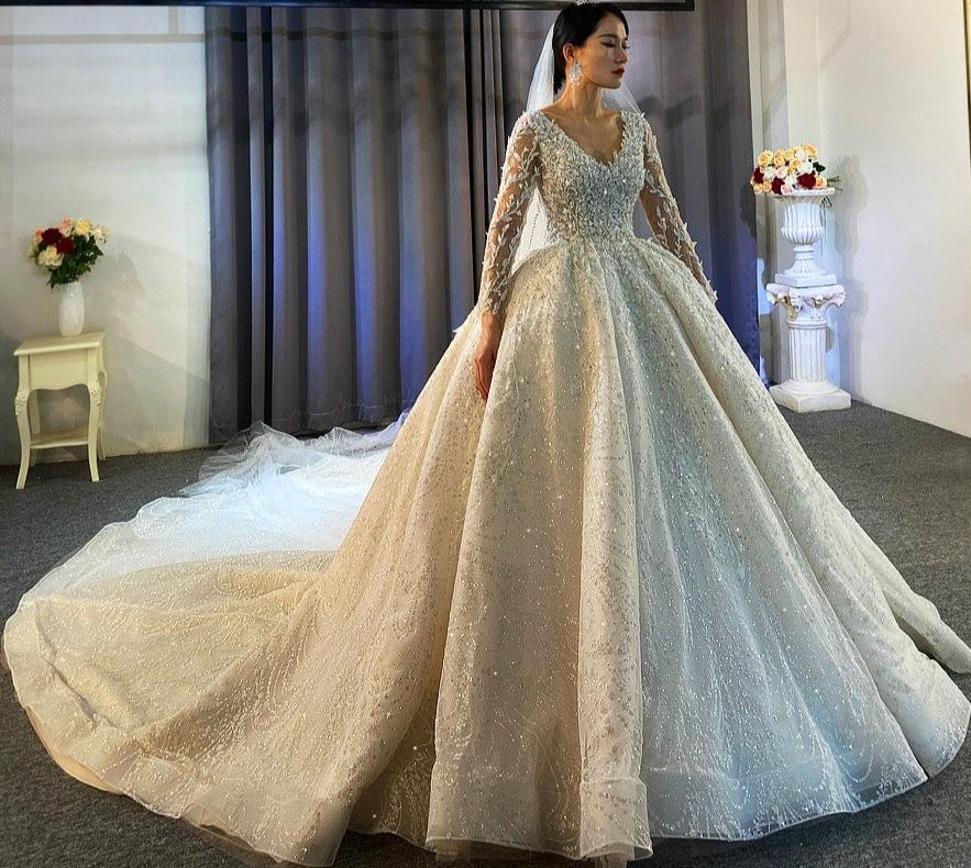 Stunning long lace wedding dress 2021 V-neckline high quality luxury bridal dresses - LiveTrendsX