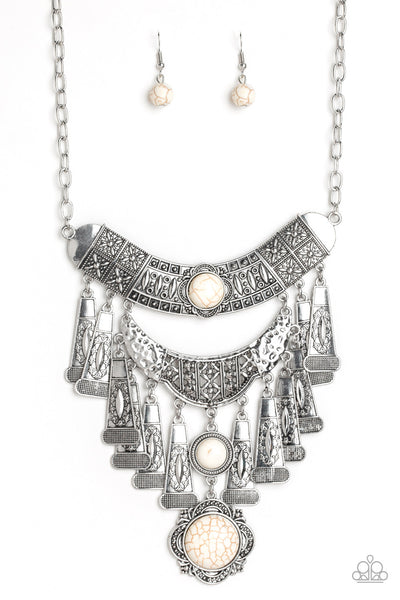 Paparazzi Sahara Royal - Necklace White Box 26
