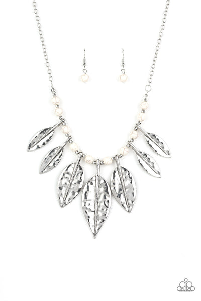 Paparazzi Highland Harvester - Necklace White Box 1