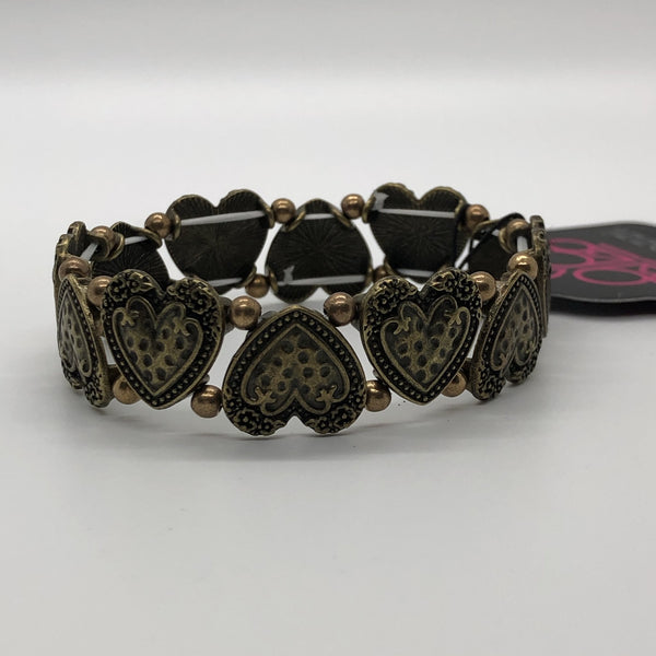 Paparazzi Rustic Heartthrob - Bracelet Brass Box 85