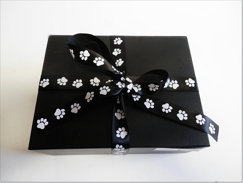 CHRISTMAS Gift Box - Chews only + toy, small or medium dogs