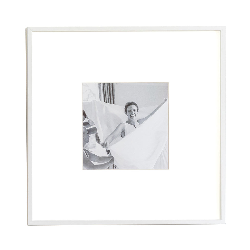 Single Aperture White Wall Hanging Frame