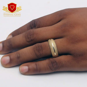 Men's-Gold-Ring-18-Carat-Gold.jpg