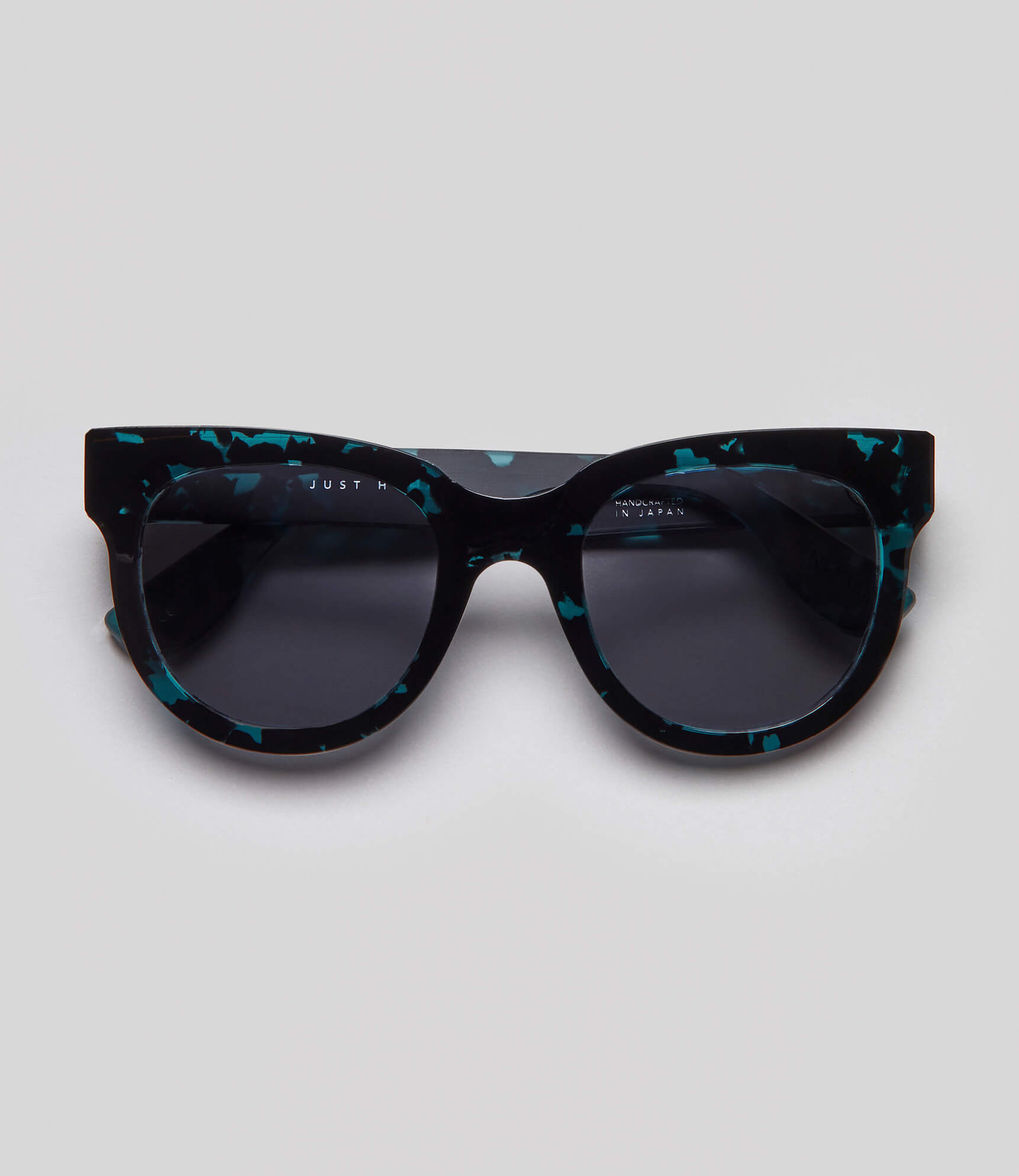 Tortoise cat eye sunglasses eco friendly sustainable fashion made in Japan unisex sunglasses for men sunglasses for women and blue light filter