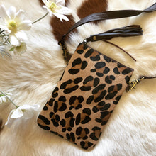 Load image into Gallery viewer, 'KENNY' Phone Bag - Leopard