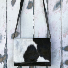 Load image into Gallery viewer, 'BOOKA' Handbag #006