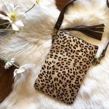 Load image into Gallery viewer, 'KENNY' Phone Bag - Cheetah