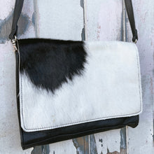 Load image into Gallery viewer, 'BOOKA' Handbag #001