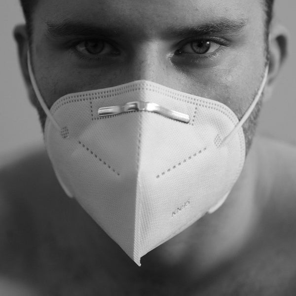 Man wearing a Covid face mask