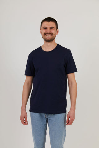 Men wearing navy blue organic cotton t shirt