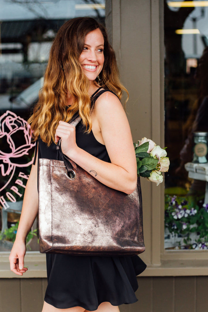 Erin Tote: Rose Gold Black