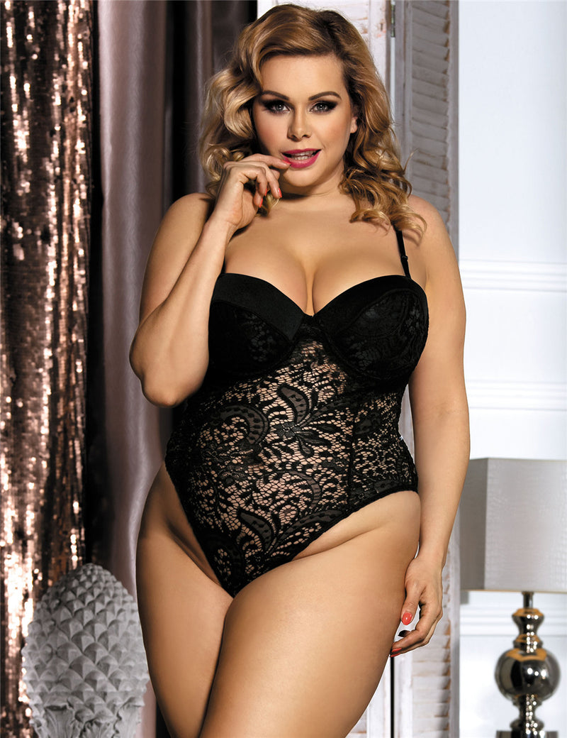Delicate White Lace Plus Size Underwire Cup Hollow Teddy Lingerie