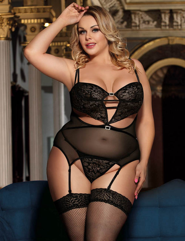 Plus Size Delicate Bustier Black Babydoll Lingerie Set With Garter