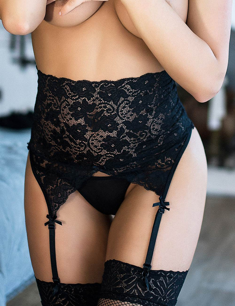 Extreme Sexy Plus Size Black Lace Women Garter Belt