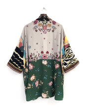 Load image into Gallery viewer, Oh Darling Kimono / M-XL