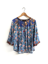 Load image into Gallery viewer, Blue Floral Blouse SAMPLE / M-L