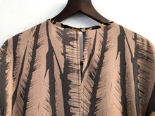 Load image into Gallery viewer, Leafy Blouse SAMPLE / XS