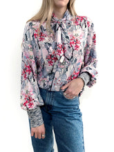 Load image into Gallery viewer, La Vie En Rose Blouse / M
