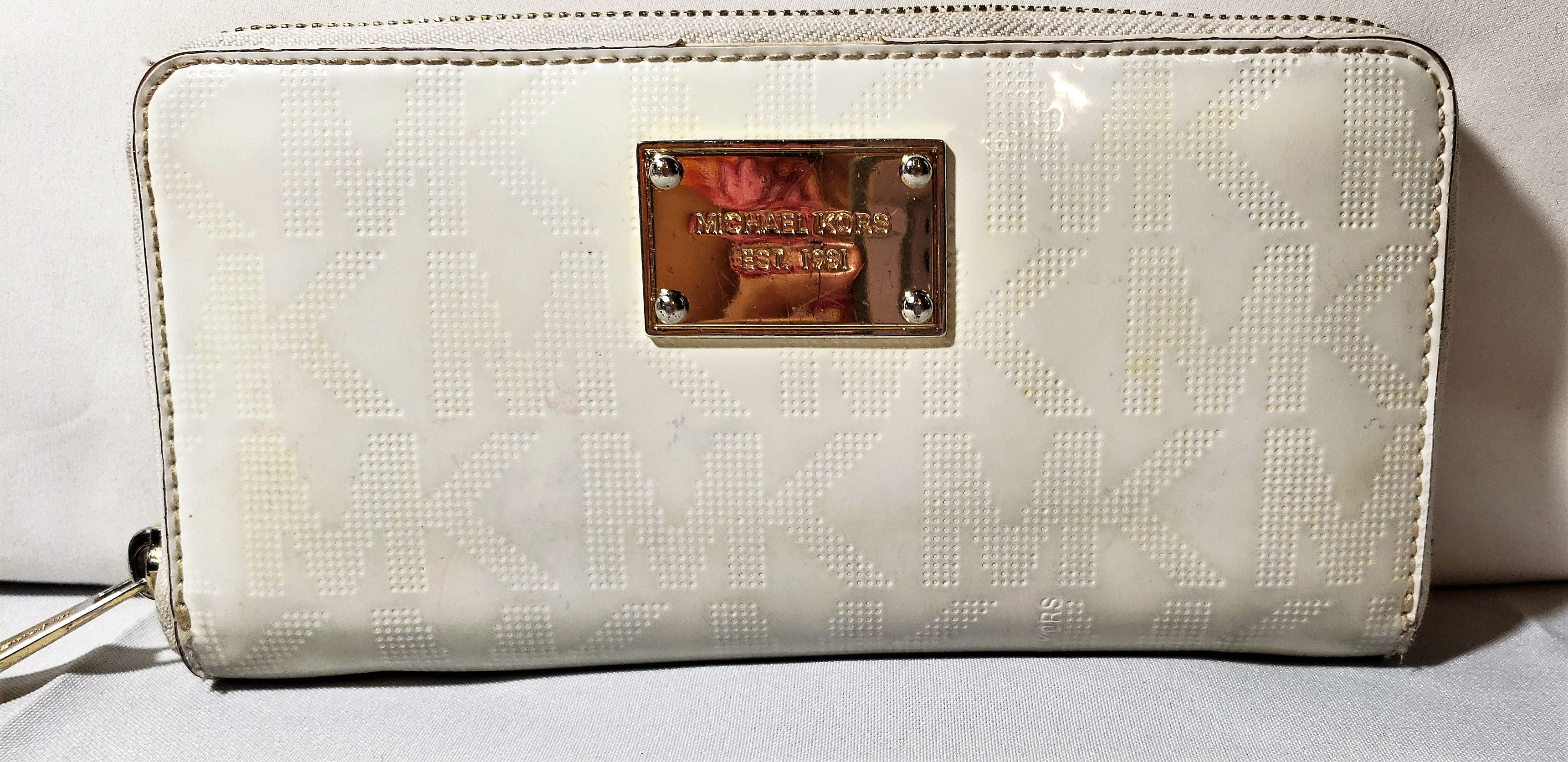 Michael Kors White Bi-Fold Leather Wallet