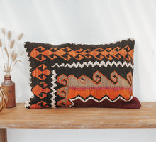 Load image into Gallery viewer, Vintage boho turkish kilim wool cushion