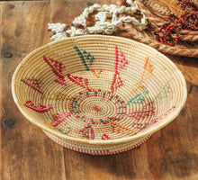 Load image into Gallery viewer, Woven Rafia Bowl