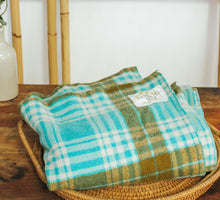 Load image into Gallery viewer, Vintage Woollen Blanket