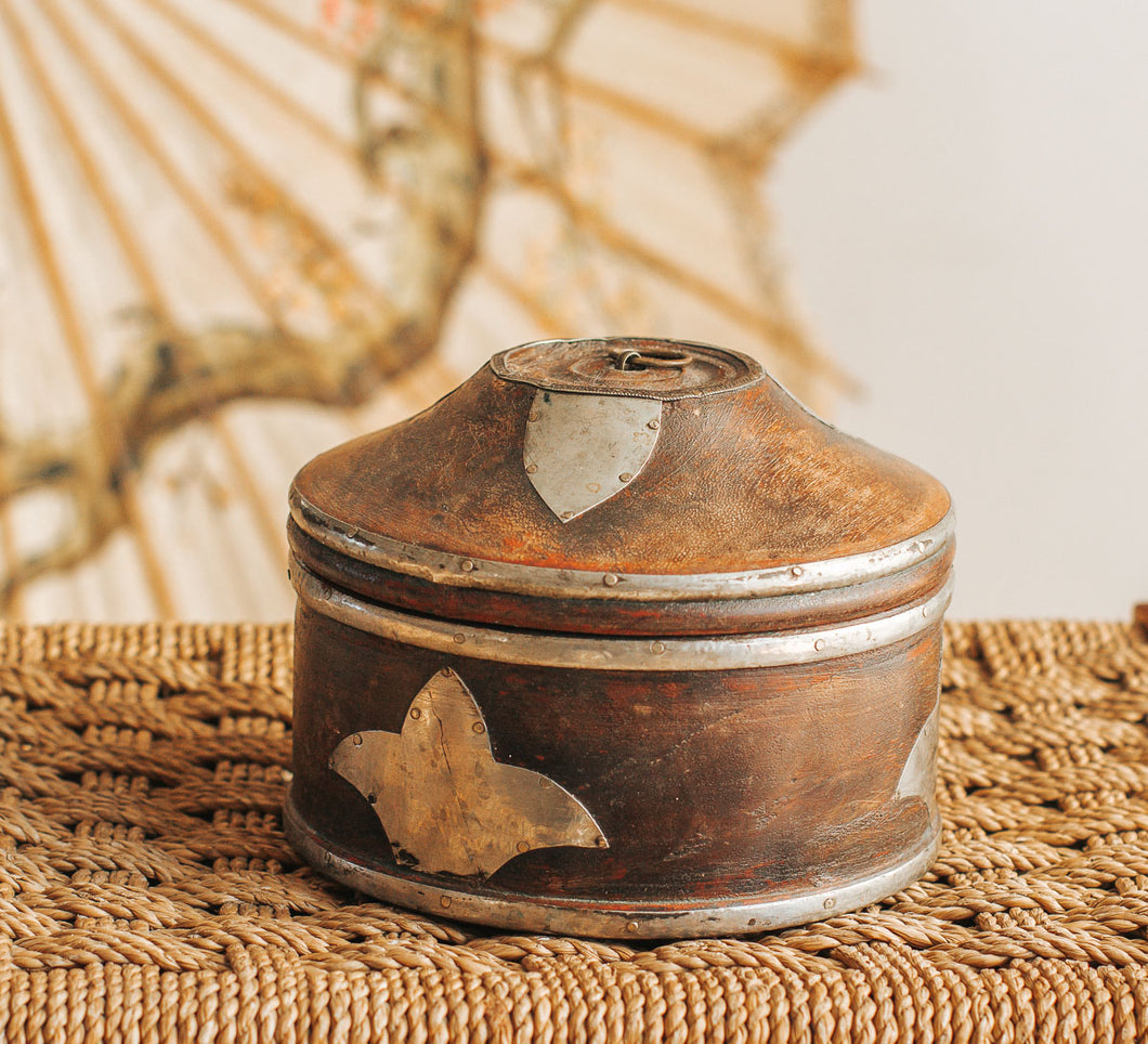 Boho vintage ethnic bowl with lid