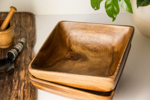Square Acacia wooden serving bowl