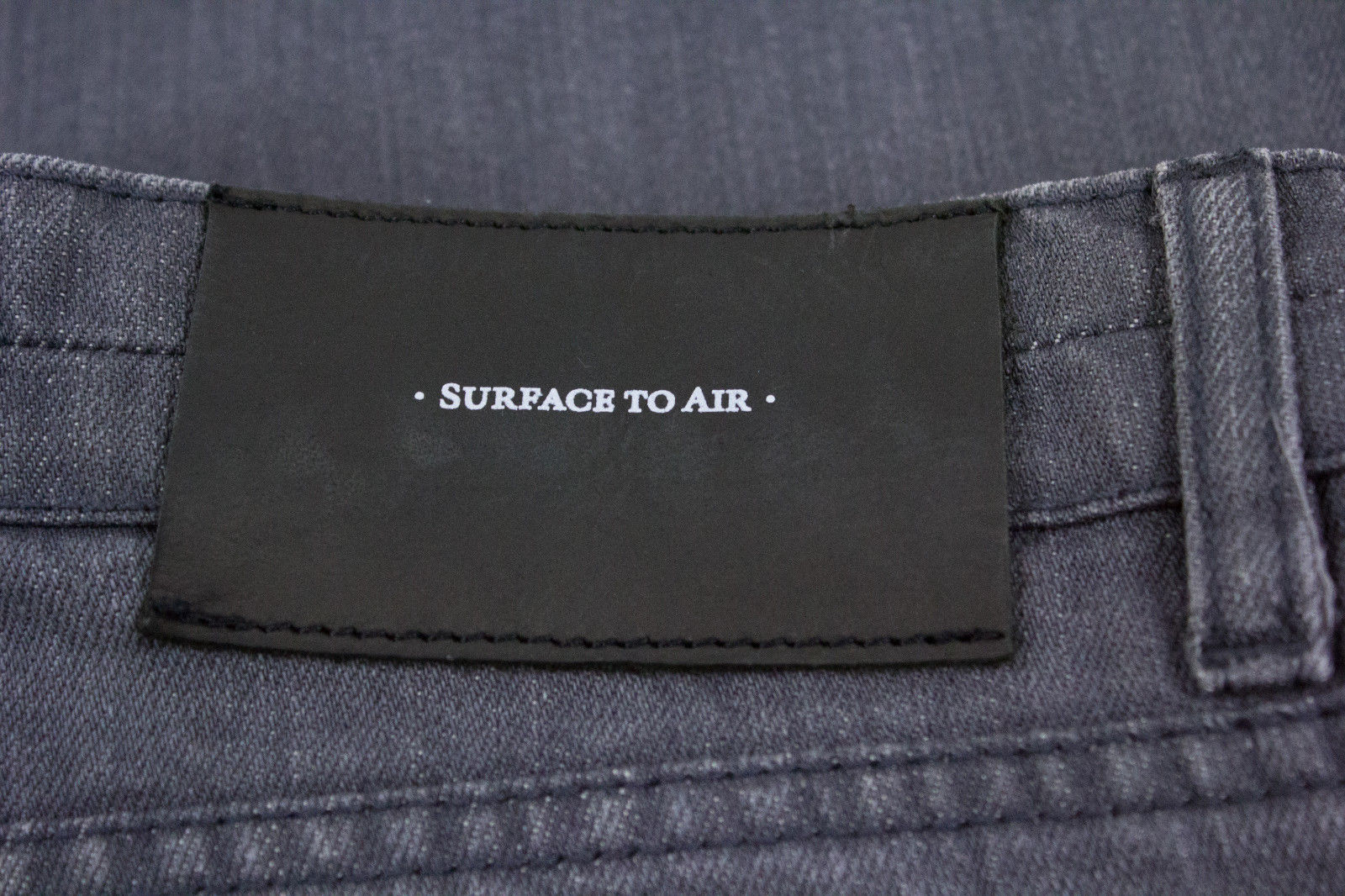 SURFACE TO AIR Straight Leg Gray Jeans SIZE 31 - secondfirst
