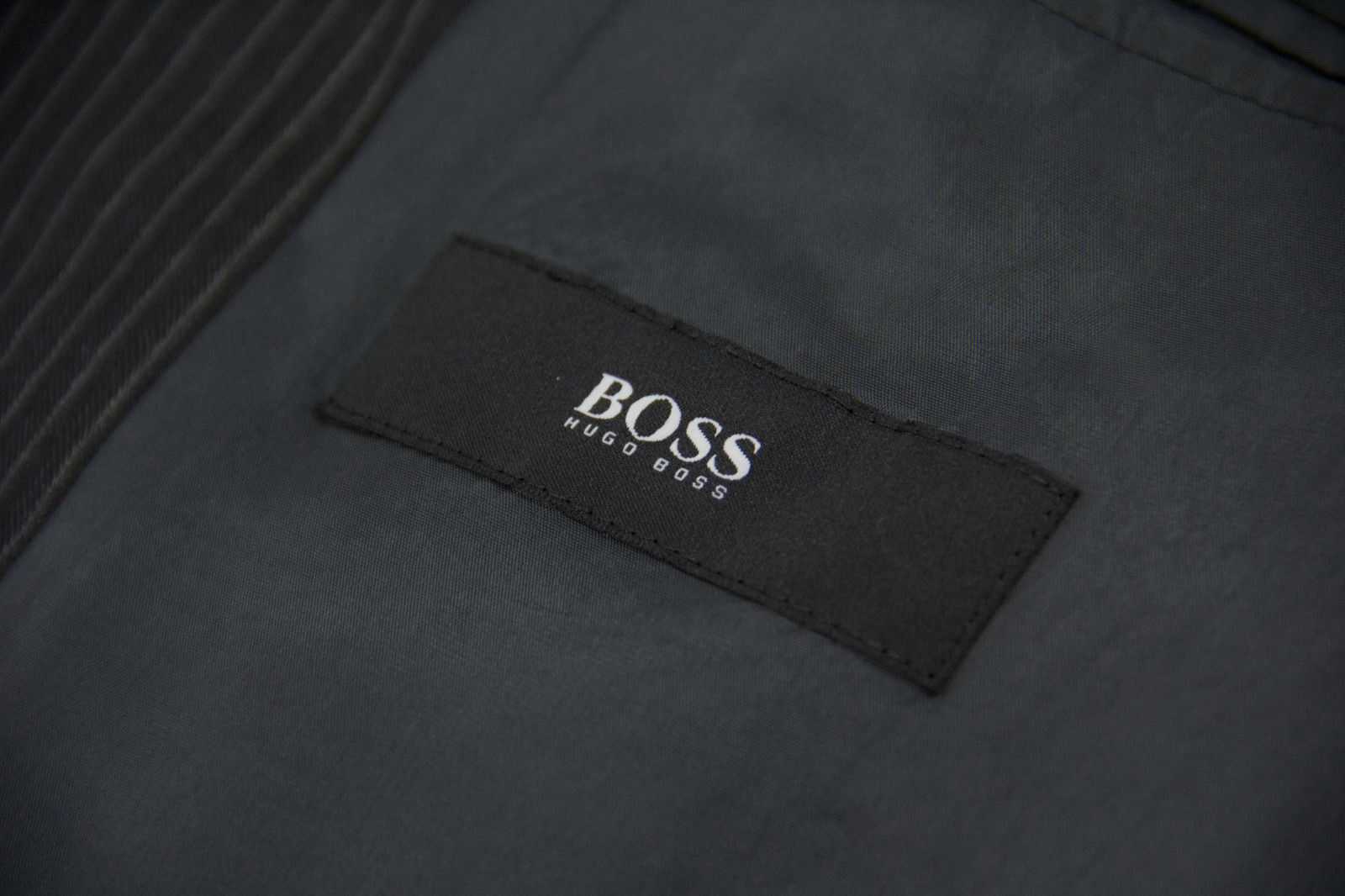 HUGO BOSS Super 100's Wool Gray Striped 3 Button Suit US 38R - secondfirst