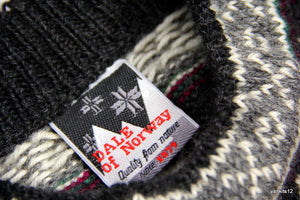 DALE OF NORWAY MEN NORDIC WOOL SWEATER, L - secondfirst