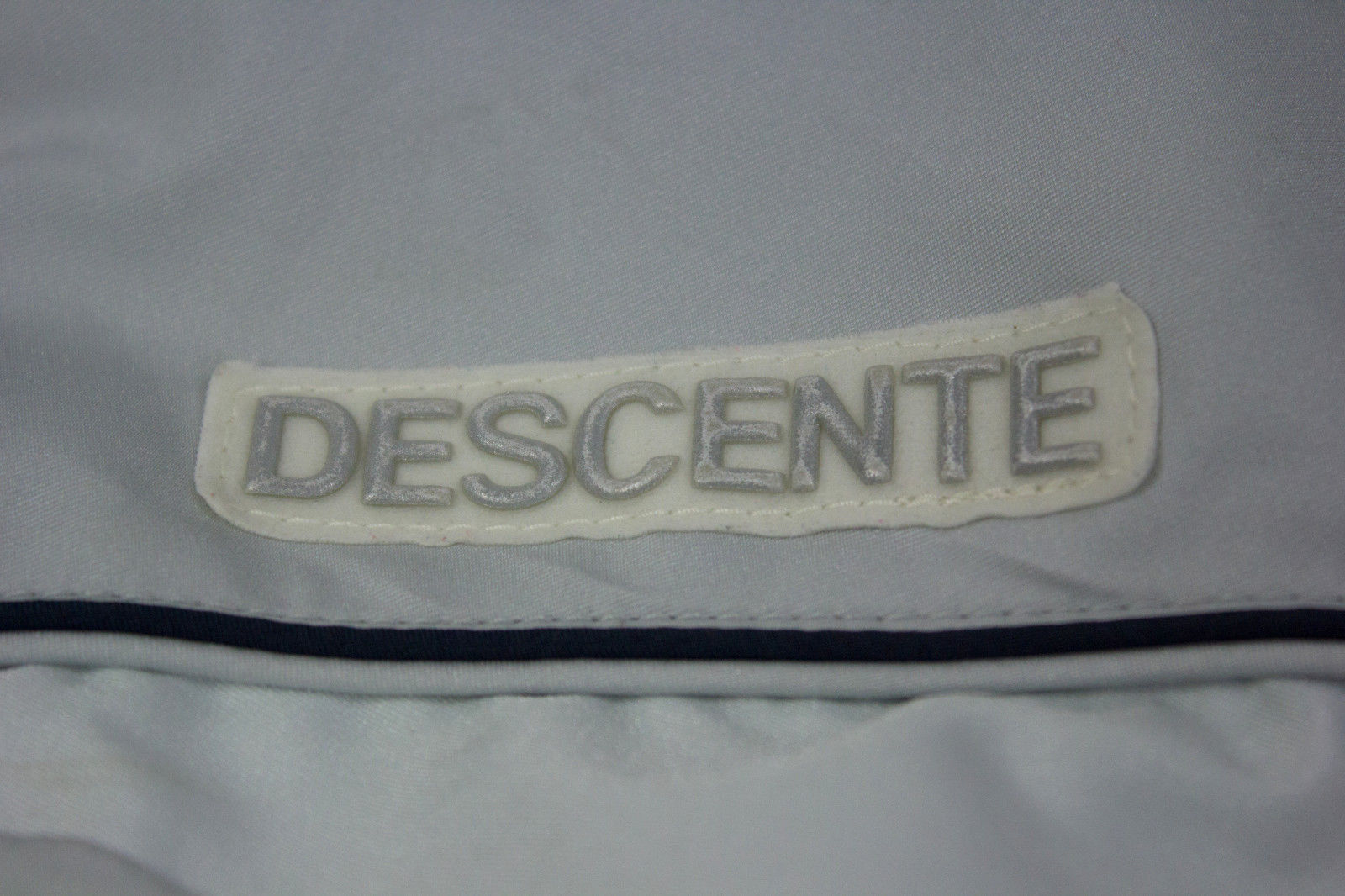 DESCENTE Ski Jacket SIZE S, US 6, EU 36 - secondfirst