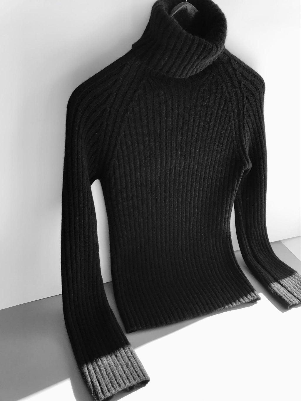 100% Cashmere Women's Black Turtleneck Jumper, Size S