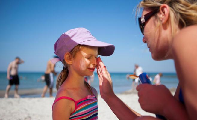 Keeping kids safe in the sun doesn't have to come at Mom's expense