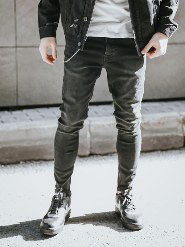 Monocloth Black Skinny Stonewashed mens jeans.  Black jeans  adn white t-shirts