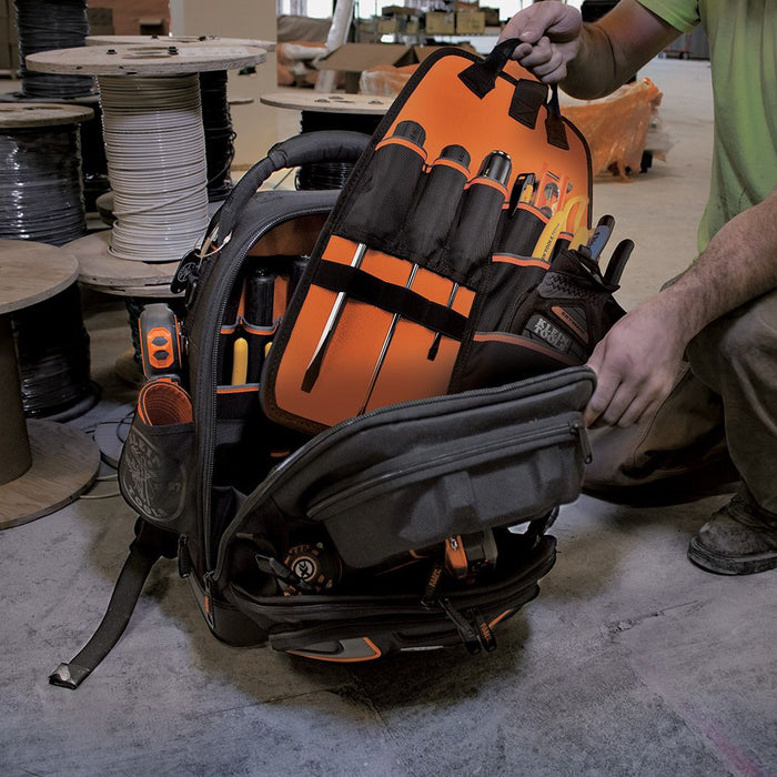 Removing tool caddy from Klein Tools Tradesman Pro Tool Master Backpack