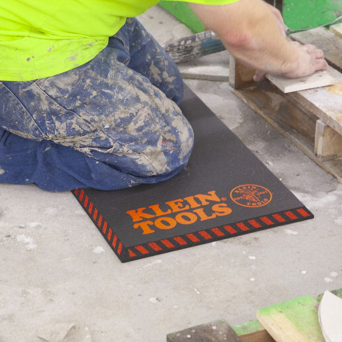 Laying tile with Klein Tools Tradesman Pro Large Kneeling Pad