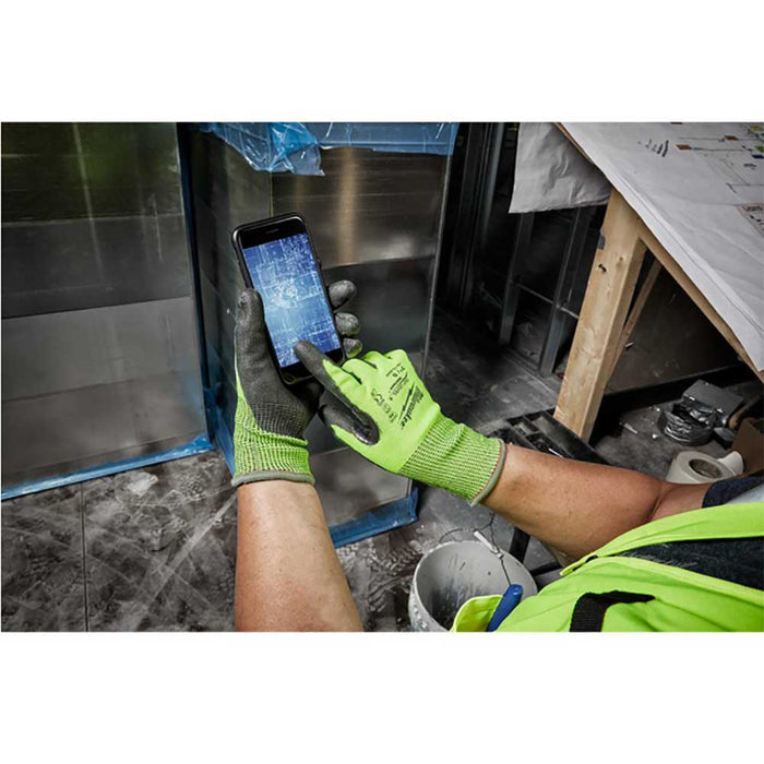Milwaukee Cut Level 4 Gloves can be used with touch screens