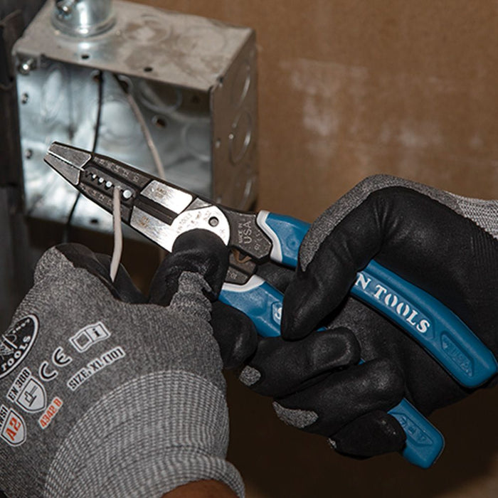 Stripping gauged wire with Klein-Kurve® Heavy-Duty K12065CR Multi Tool