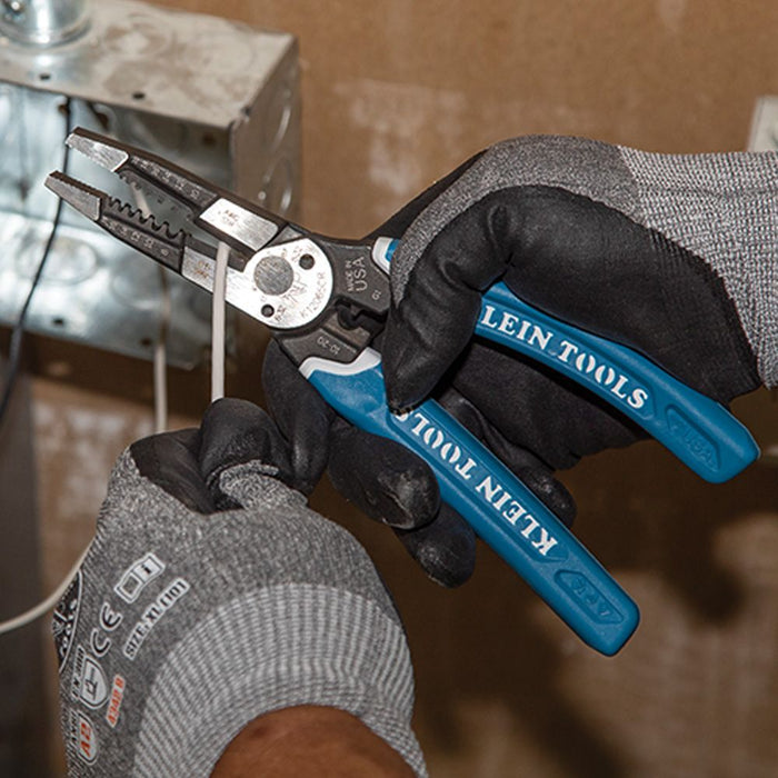 Cutting wire with Klein-Kurve® Heavy-Duty K12065CR Multi Tool